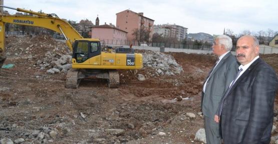İl Milli Eğitim Müdürü Suay, Mehmetçik İlköğretim Okulu İnşaatında İncelemelerde Bulundu