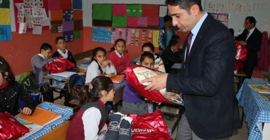 İstanbullu Esnaftan Baykan İlçemizdeki Köy Okuluna Yardım Eli