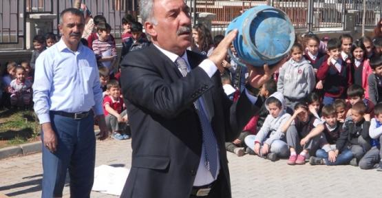 İtfaiyeden 80. Yıl İlkokulunda Yangın ve Deprem Tatbikatı