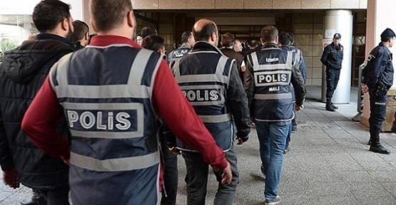 İzmir Merkezli FETÖ/PDY Operasyonunda Siirt'te Bir Polis Gözaltına Alındı