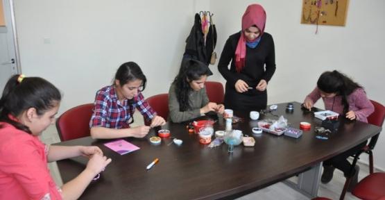 Kadınlar İlk Ürünlerini 5 Mart'ta Sergileyecek