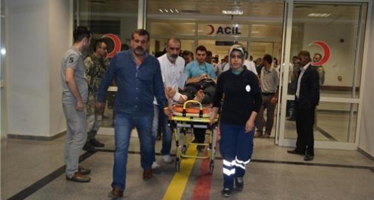 Köy Korucularını Taşıyan Minibüs Devrildi: 2 Şehit, 4 Yaralı