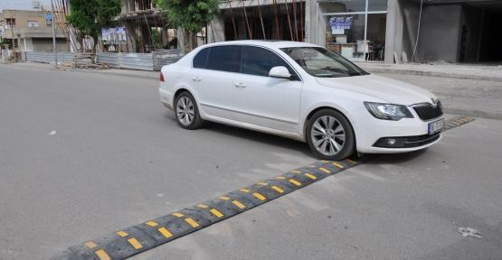 Nihat Aykut Caddesinde Hız Kesici Kasis Çalışması