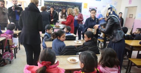 Öğretmenler ''İlmek İlmek Kardeşlik Köprüsü'' Kurdu