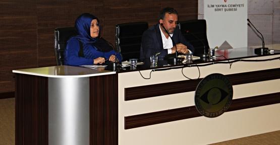 """Siirt Üniversitesinde Sezai Karakoç ve """"Diriliş Nesli"""" Konulu Konferans Verildi"""