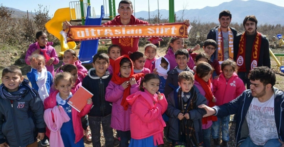 Siirt Ultraslan, Eruh İlçemize Bağlı Karadayılar Köy Okuluna Yardım Yaptı