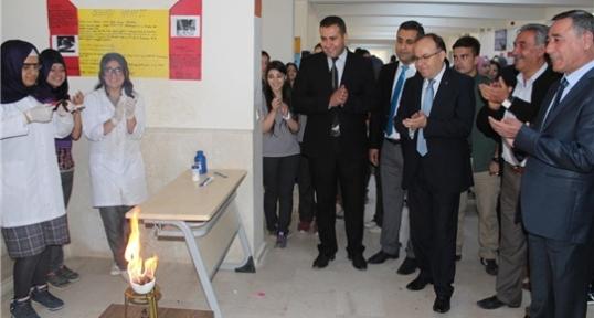 """Siirt'te """"4006 Tübitak Bilim Fuarı"""" Açıldı"""