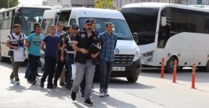 Siirt Valiliğini Basmaya Gelen 53 Asker Gözaltına Alındı