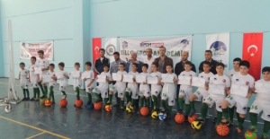 Tillo'da Futbol Sertifikaları Dağıtıldı