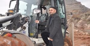 Camide İmam, Eruh Belediyesinde Gönüllü Kepçe Operatörü
