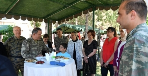 Genelkurmay Başkanı Akar, Bayramı Karşıladığı Siirt'te Gönülleri Fethetti