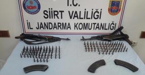 Üç Terörist Silahlarıyla Birlikte Etkisiz Hale Getirildi