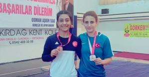 Güreş Şampiyonasında İki Sporcumuz Türkiye Üçüncüsü Oldu