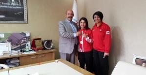 Bedriye Aksu, 49 Kg da Türkiye Şampiyonu Oldu