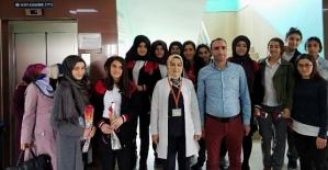 Zeynep Hatun Mesleki ve Teknik Anadolu Lisesi Öğrencileri Hasta Ziyaretinde