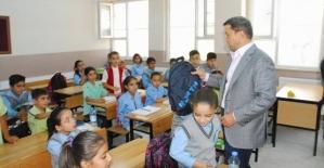 TOBB ve Siirt TSO İşbirliği İle Öğrencilere Kırtasiye Yardımı Yapıldı