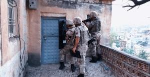 Jandarma, Çeşitli Suçlardan Aranan...