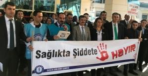 Sağlık-Sen, Sağlık Çalışanlarına Şiddeti Protesto Etti