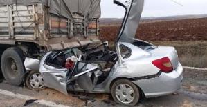 TIR'ın Altına Giren Otomobilde Ölen 4 İşçi, İzinli Olarak Evlerine Gidiyormuş