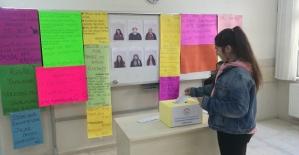 Zübeyde Hanım Lisesinde Meclis Başkanlığı Seçimi Heyecanı Yaşandı