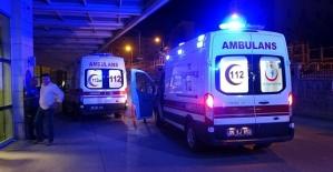 İki Ayrı Trafik Kazasında : 1i...