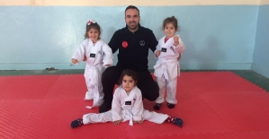 Minik Taekwondocular Osman Akınay Yönetiminde Antrenmanlara Devam Ediyor