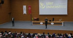 """Siirt Üniversitesinde """"Dünden Bugüne İşitme Engelliler ve İşaret Dili"""" Konulu Söyleşi Düzenlendi"""