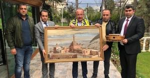 Vali Atik,Ağrı Spor Başkanı Mehmet Yıldırım'ı Siirt'te Ağırladı