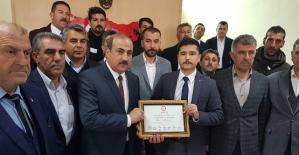 Eruh Belediye Başkanı Cevher Çiftçi Mazbatasını Aldı