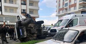 Otomobille Zırhlı Polis Aracı Çarpıştı: 4 Yaralı