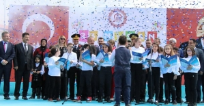 Siirt'te 23 Nisan Coşkuyla Kutlandı