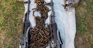 Eruh'ta Toprağa Gömülü Silah ve Mühimmat Ele Geçirildi