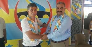 Siirt İl Özel İdare Spor Teknik Direktör Seyithan Özdaş'la Sözleşme İmzaladı