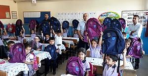 Öztanık Ailesinden 650 Öğrenciye Çanta Yardımı