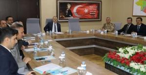 Bağımlılıkla Mücadele Toplantısı, Vali Vekili Zihni Yıldızhan Başkanlığında Yapıldı