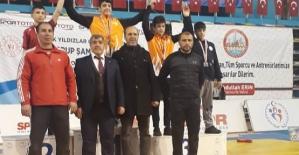 İki Güreşçimiz Türkiye Şampiyonasına Katılmaya Hak Kazandı