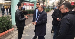 """Vali Atik, Güres Caddesinde Denetim Yaparak, Vatandaşları Uyardı: """"EVDE KALIN"""""""