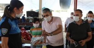 Siirt Emniyeti, Semt Pazarı ve Otogarda Ücretsiz Maske Dağıttı