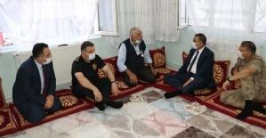 Vali Hacıbektaşoğlu'dan Şehit ve Gazi Ailelerine Ziyaret