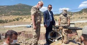 Şirvan Kaymakamı Recep Hasar'dan Mehmetçiğe Moral Ziyareti