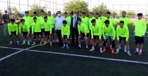 """Vali Osman Hacıbektaşoğlu; """"Siirt İl Özel İdaresi Spor Lokomotif Görev Görecektir"""""""