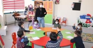 Siirt Belediyesi Minik Adımlar Kreş ve Gündüz Bakım Evi'nde Miniklere Eğitim İmkanı