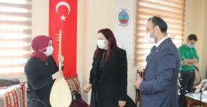 Vali Eşi Güney Hacıbektaşoğlu, Bayanları Belediye Bünyesinde Açılan Kurslara Davet Etti