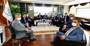 Siirt Heyeti Devlet Su İşleri Genel Müdürü Kaya Yıldız'ı Ziyaret Etti
