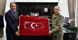 Siirt 3. Komando Taburu ve Siirt İl Millî Eğitim Müdürlüğü İşbirliği ile İdlib'te Okul Yapıldı