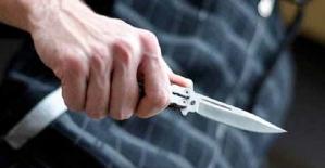 Pervaride İki Kişiyi Bıçakla...