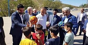 AK Parti Siirt Teşkilatı Baykan'a Bağlı Köyleri Ziyaret Etti