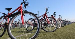Bisikletiyle Duvara Çarpan 11 Yaşındaki...