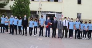 Vali Hacıbektaşoğlu'ndan Okul Ziyaretleri