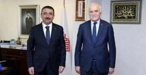 Vali Hacıbektaşoğlu, Vakıflar Genel Müdürü Ersoy'u Ziyaret Etti